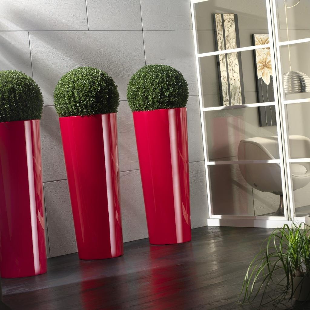 Напольный вазон для цветов